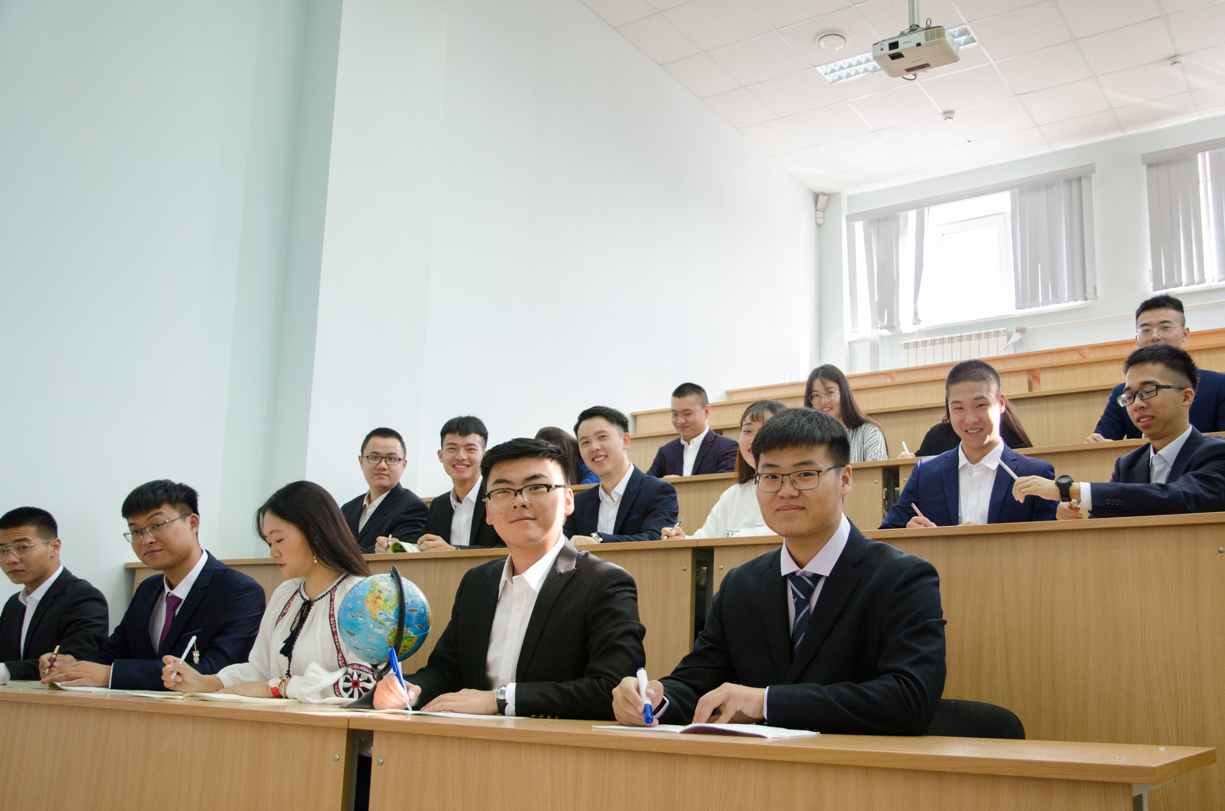 ЮУрГУ приглашает пройти профпереподготовку в области преподавания русского языка как иностранного